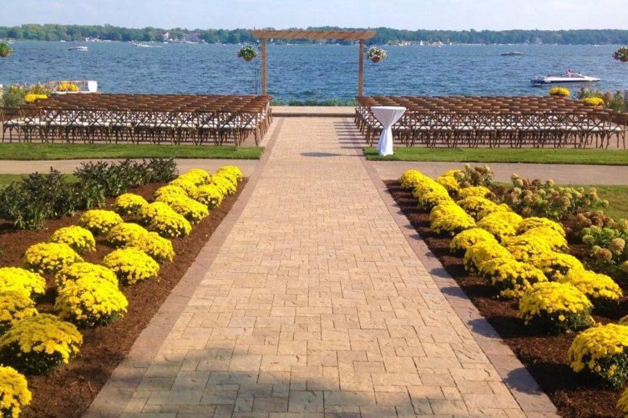 Wedding ceremonies at Lake Lawn Resort