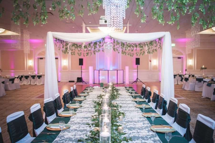 Elaborate king table design at wedding reception at the Ingleside Hotel